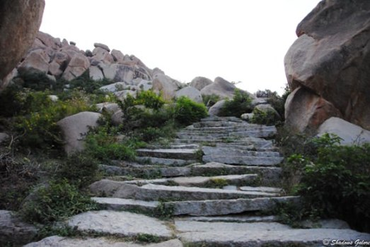 Hampi_Diaries_Matanga_Hill-Ascent