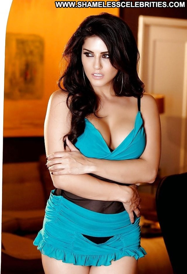 Sunny Leone Pictures Indian Upskirt Stockings Celebrity Hot