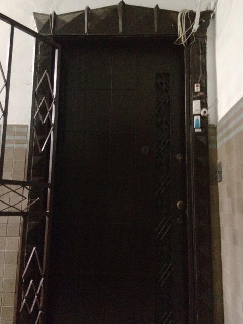 Astrid-interior door