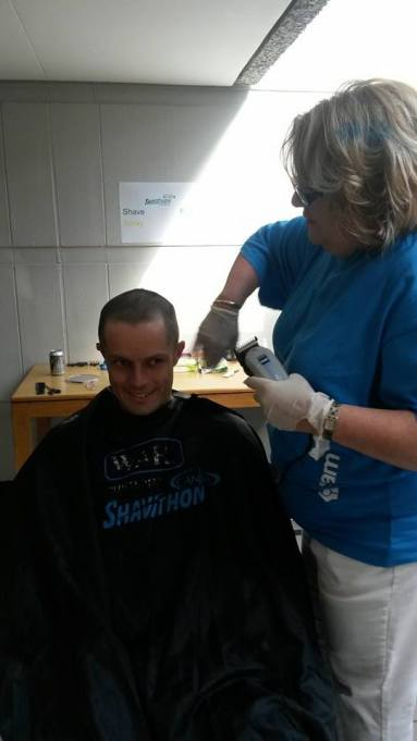 Sanlam Head Office CANSA Shavathon 2015 04