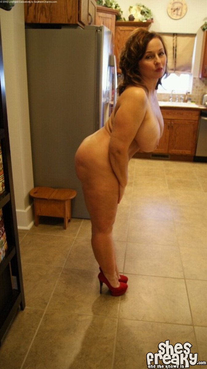 Phat booty pawg bouncing big white as 5