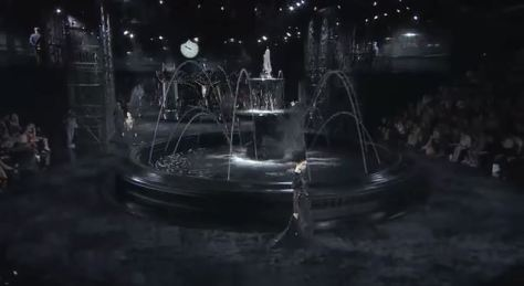 Louis Vuitton Spring and Summer 2014 - Fountain and Elevators