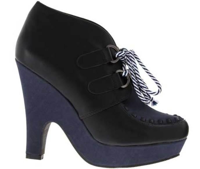 curve-heel-wedge-boots
