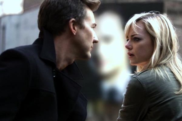 Ed Norton y Emma Stone, en la película
