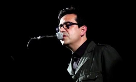 Antonio Galvañ, en un momento del concierto en La 2 de Apolo // A. VANDELAY