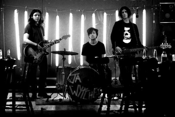 The Wytches presentan Darker, cara B de su último single