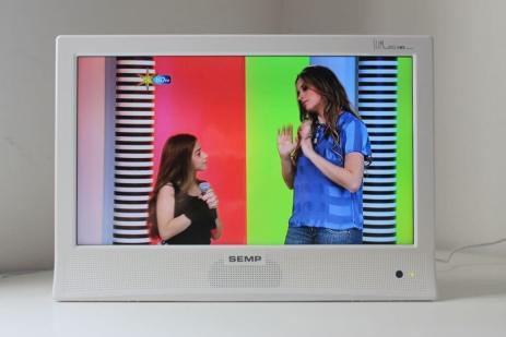 """LED TV 14"""" DTV LE1474W Semp Toshiba / foto: Henri Karam"""