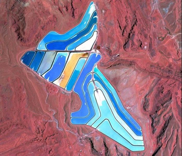 Lagoas de evaporação de minas de potássio em Moab, Utah, 20 de maio de 2015. (Daily Overview)