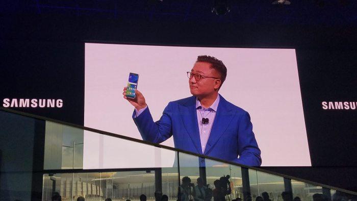 Lançamento em Agosto: o melhor smartphone já produzido.