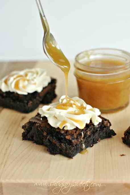 Dark Chocolate Brownies with Salted Caramel Frosting and Homemade Caramel Sauce: easy recipe for #caramel sauce! @shugarysweets