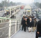 Metro-Bus-System-Lahore-Shahbaz-Sharif-Arriving
