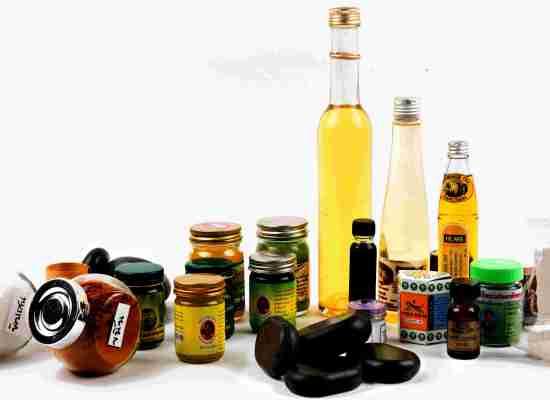 Herbes huiles pierres et pochons Thaïs