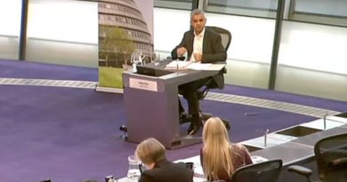 Sian challengd Saqiq Khan over rents at MQT