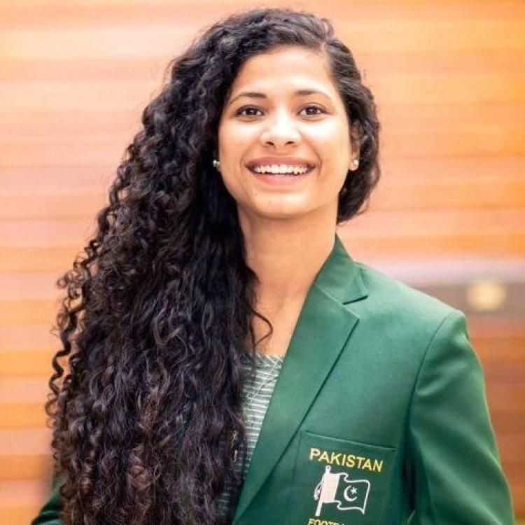 Hajra Khan (2)