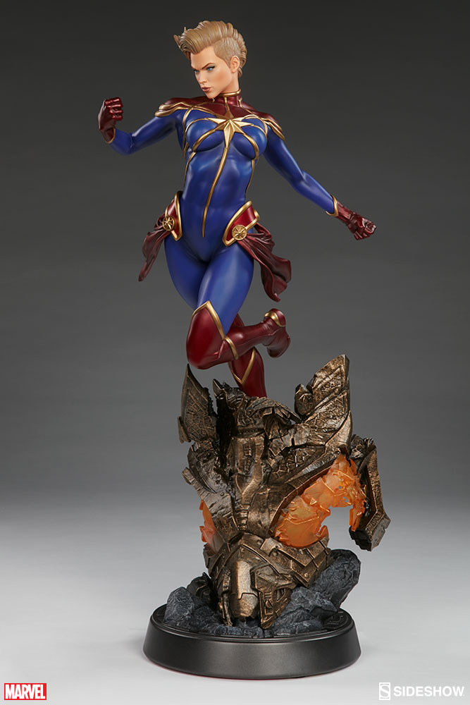 Marvel Captain Marvel Premium Format TM  Figure by Sideshow     Captain Marvel Premium Format       Figure Captain Marvel Premium Format       Figure