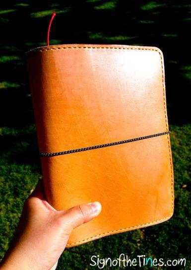 Sunday LEather Craft Traveler's Notebook