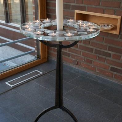 Denna ljusbärare i smide till Varbergs församling är gjord i samarbete med Anna-Maria Ejdeholm på White Arkitekter.