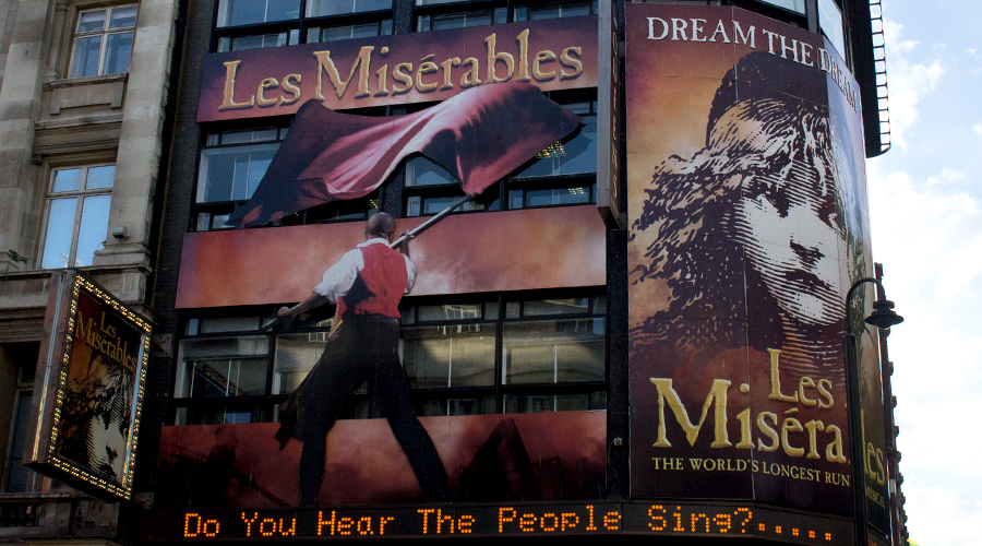 2014-les-miserables-musical-london-uk-00