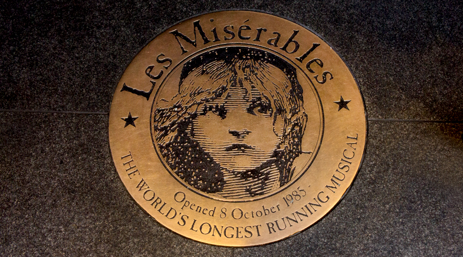 2014-les-miserables-musical-london-uk-03
