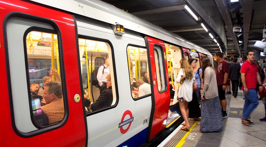 2014-westminster-underground-london-uk-3