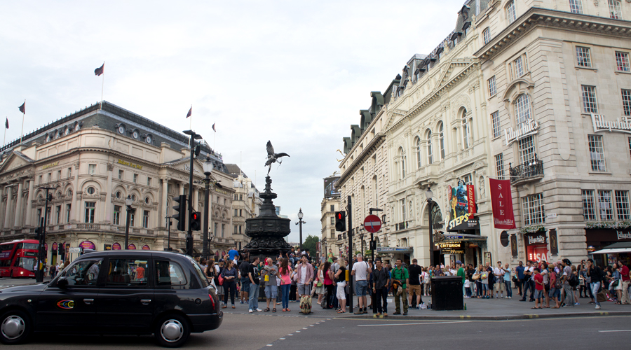 2014-piccadilly-circus-london-uk-02