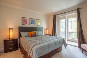 1794 Camino Leonor San Jose CA-large-019-Master Bedroom-1500x1000-72dpi