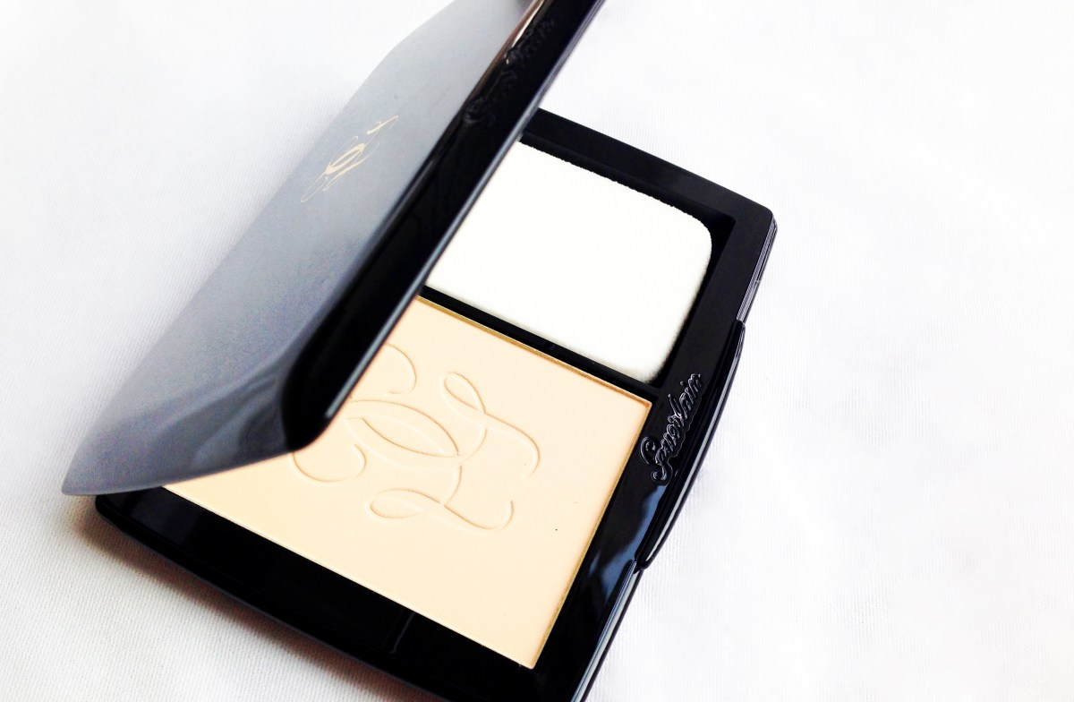 Powder that caresses... Guerlain Lingerie de Peau Powder Foundation