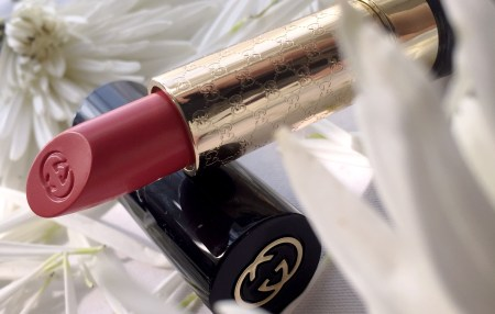 Gucci Luxurious Moisture-Rich Lipstick in Fever