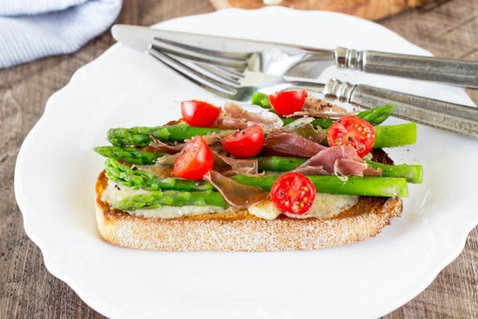 open face greyere proscuitto and asparagus-simplehealthykitchen.com_