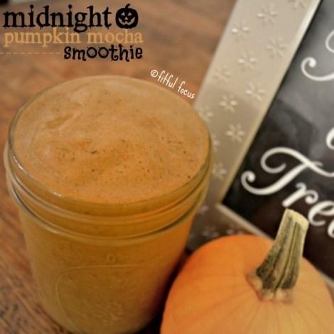 Midnight-Pumpkin-Mocha-Smoothie-via-Fitful-Focus-2-640x640