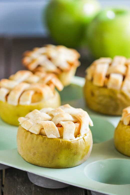 Healthy-Apple-Pie-in-an-Apple