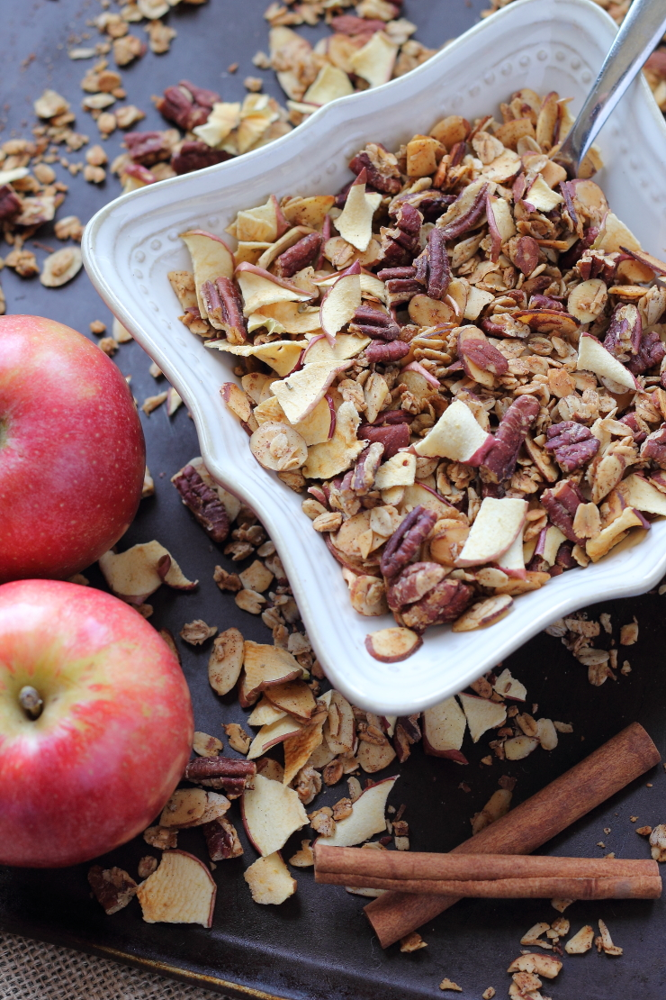 healthy-apple-pie-granola