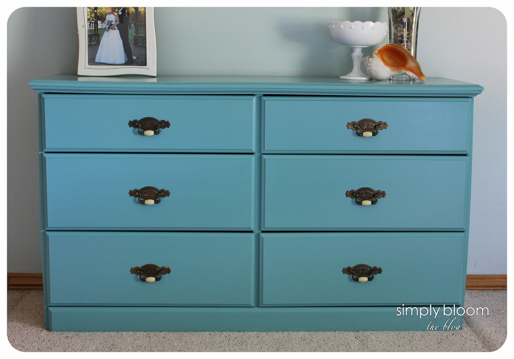 laminate dresser makeover with chalk paint
