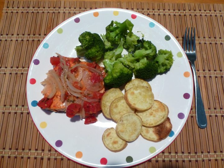 Paleo Baked Salmon With Tomatoes