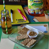 Peanut Butter Applesauce Dip + Back to School Snack with Mott's®