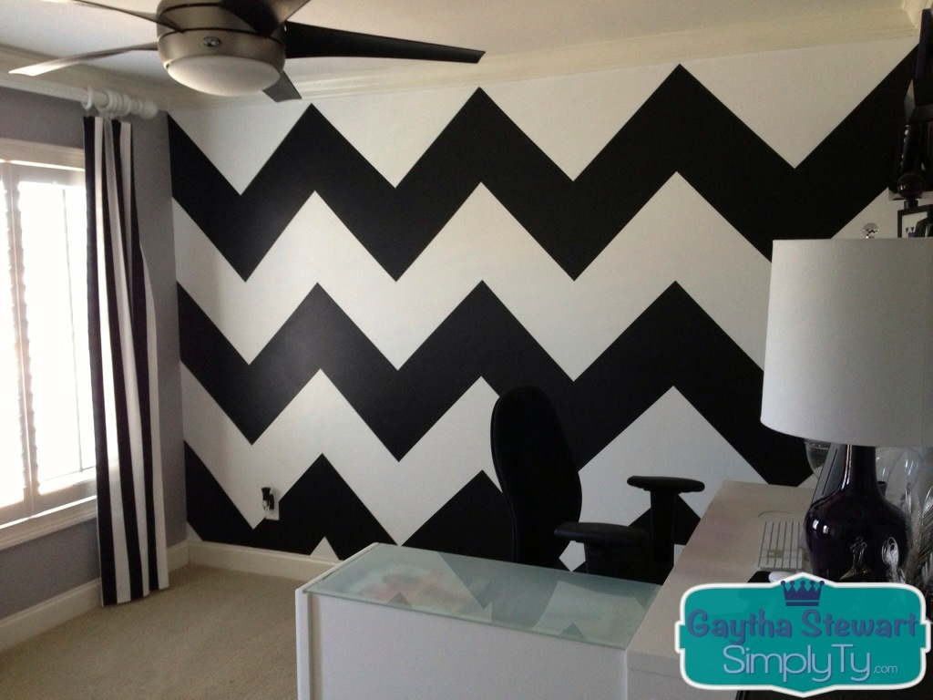 Easy way to paint chevron wall how to paint a chevron for Chevron template for walls
