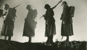 farewell-to-arms-a-1932-004-soldiers-silhouettes