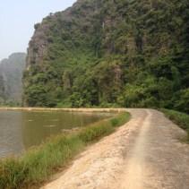 www.singapbyart.com-ninhbinh-trekking.jpg