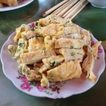 www.singapbyart.com-cat-ba-day-tour-food.jpg