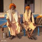 Viaje fotográfico a la India: Sadhus en la estación de Tundla