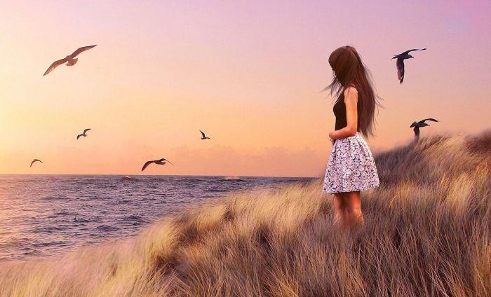 Miedo_viajar_sola-mujer-pajaros-playaweb