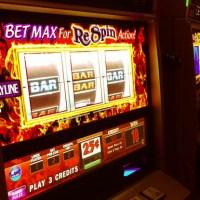 Jugando en un casino de Las Vegas