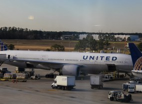 united-777-houston