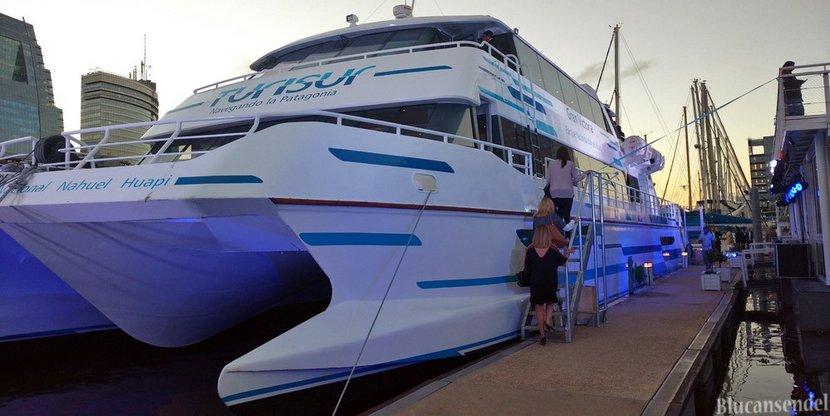 ¿Cómo lleva Turisur un catamarán nuevo de Tigre a Bariloche?