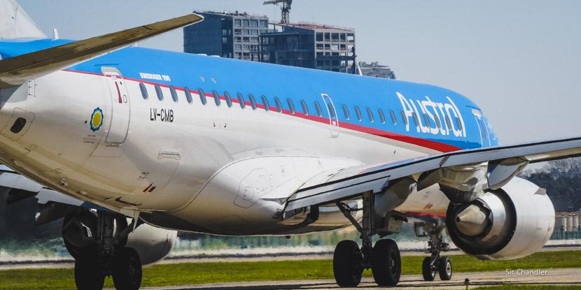 26 Embraer 190 volando en la Argentina con Austral
