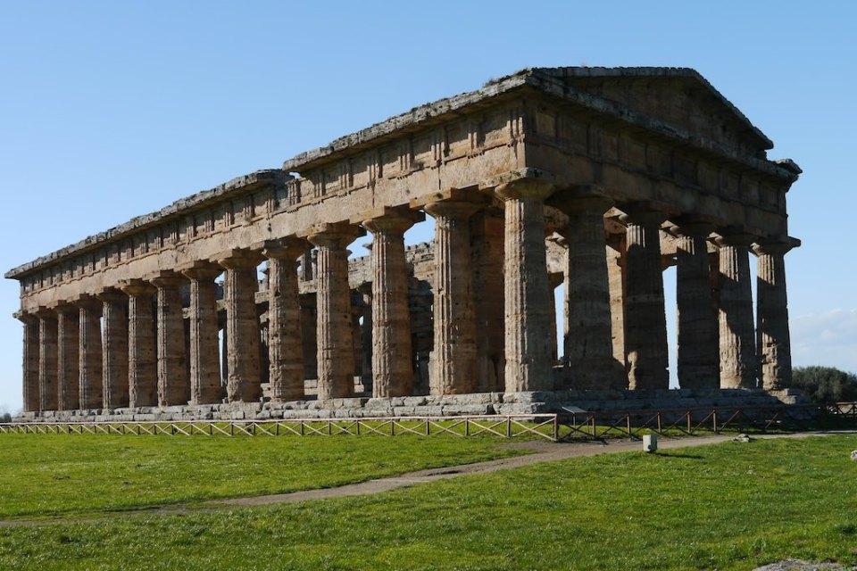 Die Ringhalle des Hera Tempel von Paestum