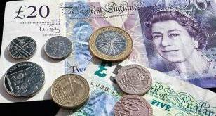 La libra esterlina marca un mínimo en 30 años