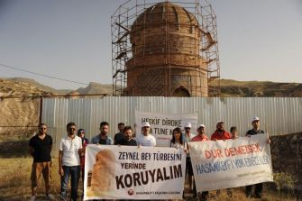 Protest against relocation of the Zeynel Bey Tomb in Hasankeyf dam site