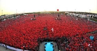 Yorum Farkı: Yenikapı Demokrasi ve Şehitler Mitingi