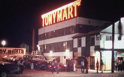 tony-mart-night-exterior